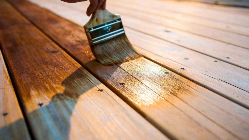 Comment vernir un plancher en bois en 5 étapes